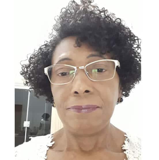 Jeanne Santos Rocha